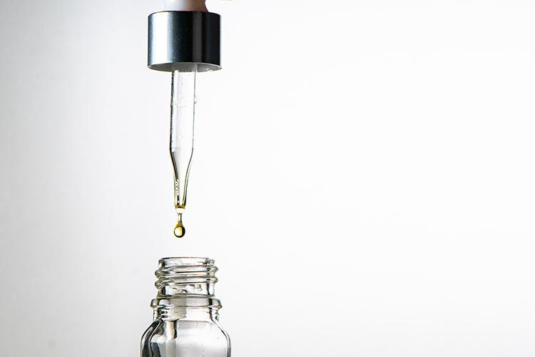 Hương liệu hóa học dễ gây kích ứng cho da