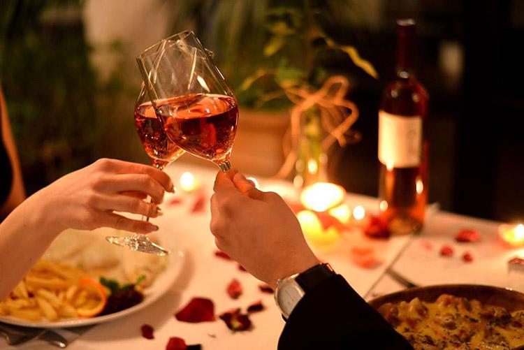 Bữa tối lãng mạn dành cho ngày lễ tình nhân